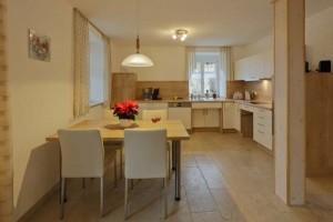 Ferienhaus Wimbauer - Wohnung 1 - Küche mit Essbereich